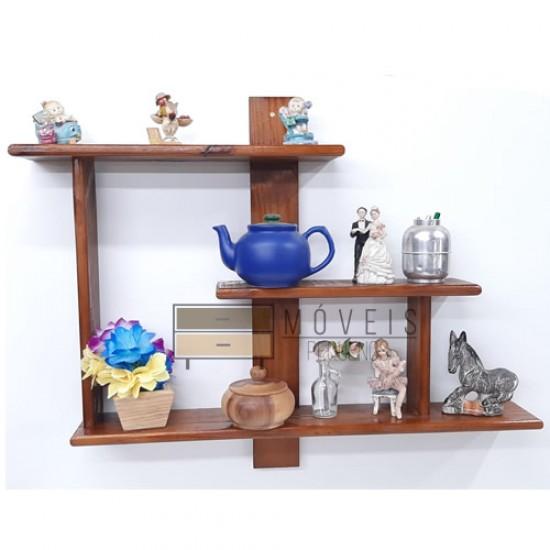 Prateleira de madeira para decoração e plantas