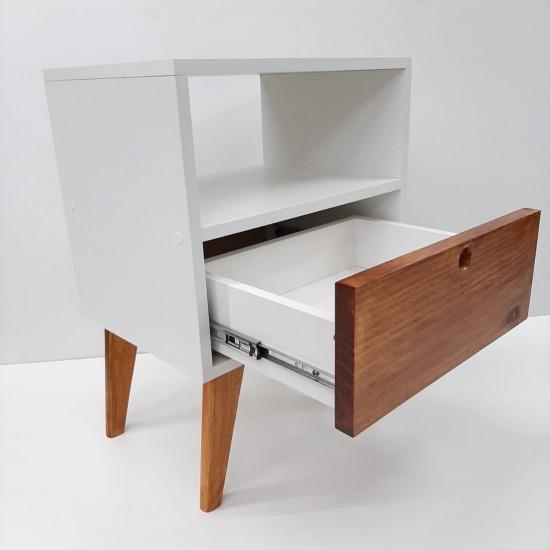 Mesa de cabeceira estilo retro frente Madeira 2 peças
